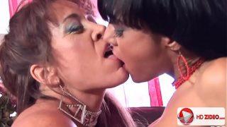 Mahina makes her older friend Anita Cannibal HD Porn